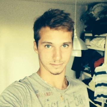 Kévin, 20, Marseille, France