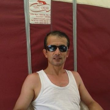 Kadri Şazi, 45, Izmir, Turkey