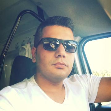 Özkan, 31, Istanbul, Turkey