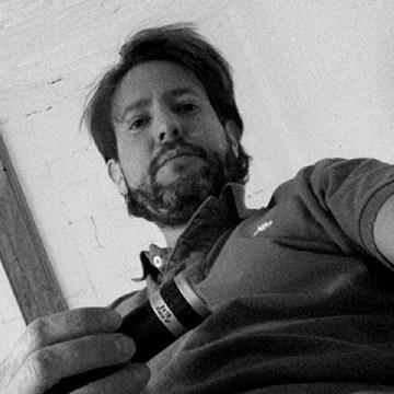 José, 44, Barcelona, Spain