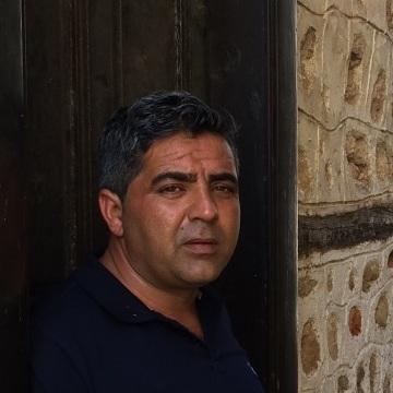 Metin, 38, Izmir, Turkey