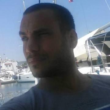 Umut, 36, Istanbul, Turkey
