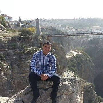 amine, 24, Alger, Algeria