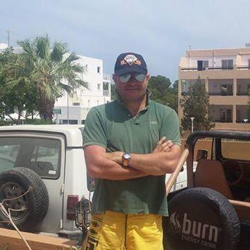 Juan Art, 45, Valencia, Spain