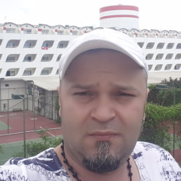 Ali Özsoy, 39, Istanbul, Turkey