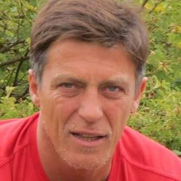 Juan Jimenez, 50, Comodoro Rivadavia, Argentina