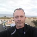 victor  Robaina, 46, Las Palmas, Spain