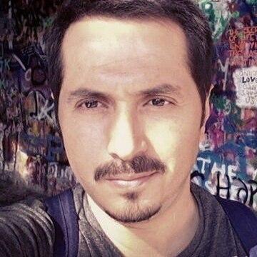 engin, 36, Istanbul, Turkey