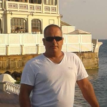 Baki Yardım, 44, Istanbul, Turkey
