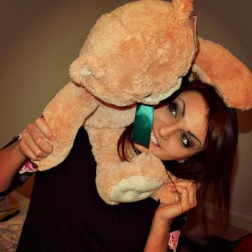 Zina Untu, 24, Arlington, United States