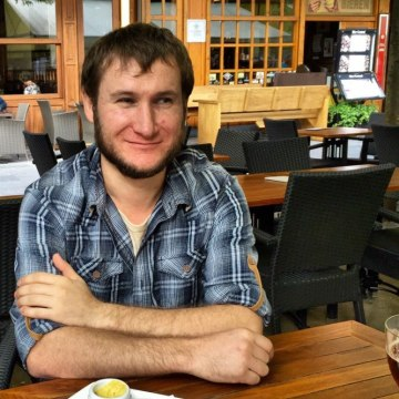 Sergiy Denysenko, 31, Volnovaha, Ukraine