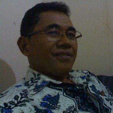 Hendrikus Maun, 55, Jakarta Pusat, Indonesia