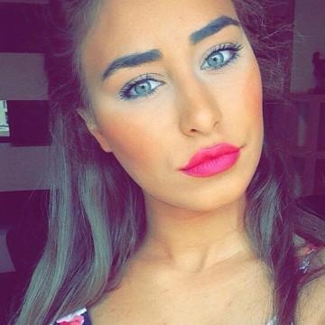 Hiba, 21, Newyork, United Kingdom