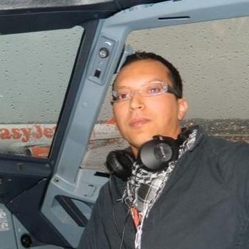 Nabil, 31, Alassio, Italy