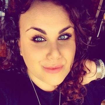 Sara, 24, Rome, Italy