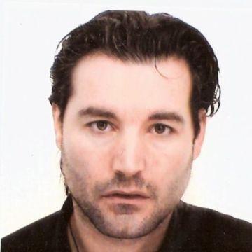 Aran Benjo, 42, Itala, Italy