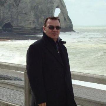 YVES, 48, Dijon, France