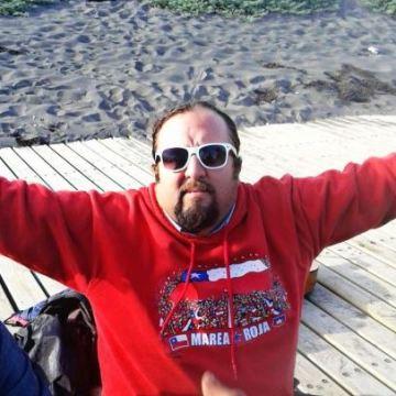 Claudio Molineiro, 40, Santiago, Chile