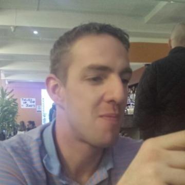 Lee, 33, Crowborough, United Kingdom