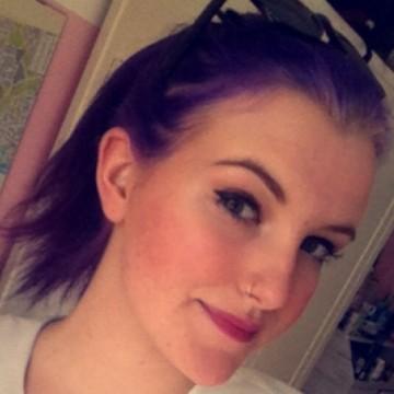 Ronja, 19, Hamburg, Germany