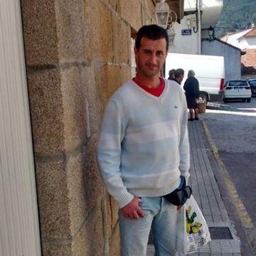 Ivan Idd Desing, 38, Vigo, Spain