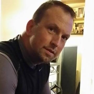 Michael Oliver, 50, Philadelphia, United States