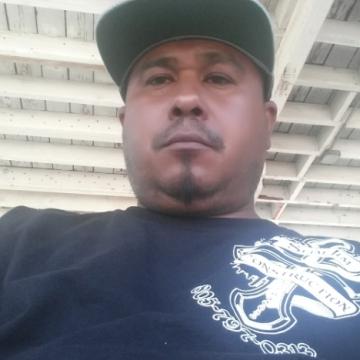 Robert , 46, Santa Paula, United States
