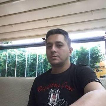 Nusret Çağış, 37, Istanbul, Turkey