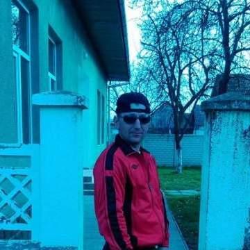 Milut Mescanic, 29, Arad, Romania