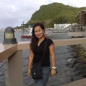 Lou, 40, Legazpi, Philippines