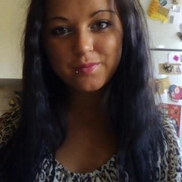 Nina Plomeros, 21, Boras, Sweden