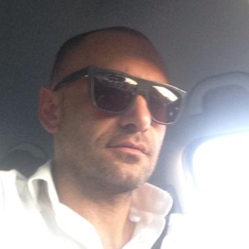Yasin Akan, 37, Istanbul, Turkey