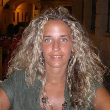Sara, 35, Barcelona, Spain