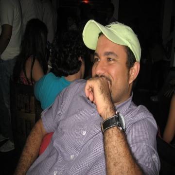 Peter       s Robert, 42, Jacksonville, United States