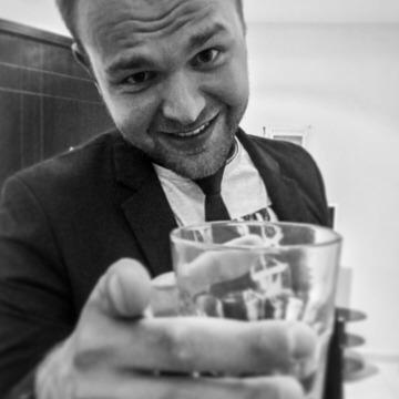Maksym , 25, Dubai, United Arab Emirates