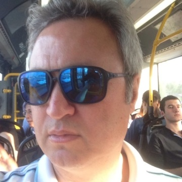 Huseyin Knows, 44, Istanbul, Turkey