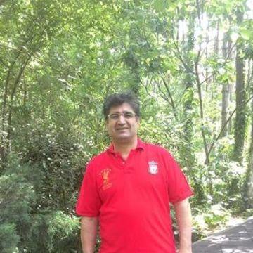 Mahmut Yomak, 49, Istanbul, Turkey