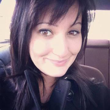 juliana white, 29, New York, United States