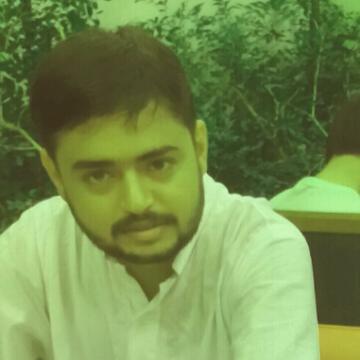 mobushir, 27, Lahore, Pakistan