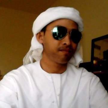 Jon makusles, 31, Dubai, United Arab Emirates