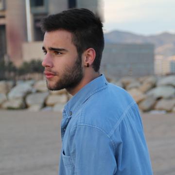 Víctor, 19, Viladecans, Spain