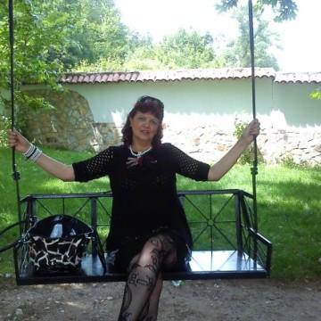 Genka Dobrenova, 49, Pernik, Bulgaria