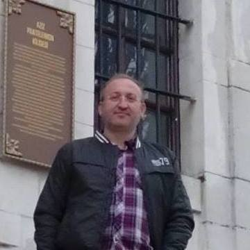 Levent Yalçın, 47, Bursa, Turkey