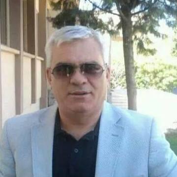 Sezer Keskin, 53, Istanbul, Turkey