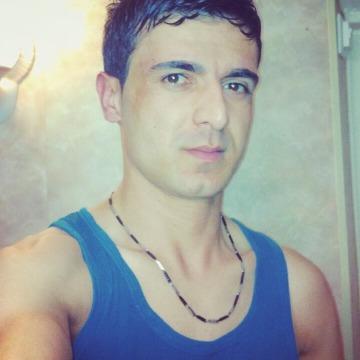 Azar kurdr, 31, Itala, Italy