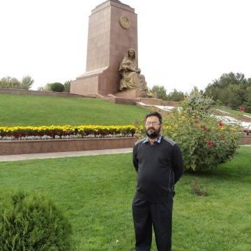 dr makil, 42, Peshawar, Pakistan