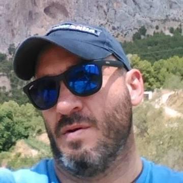 Dani Presa, 42, Madrid, Spain