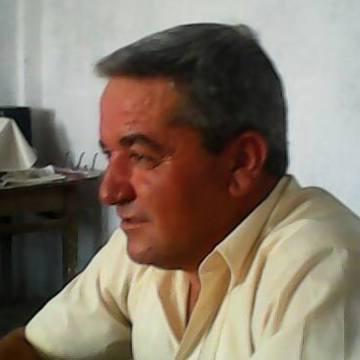 Muntaz Gulden, 44, Usak, Turkey