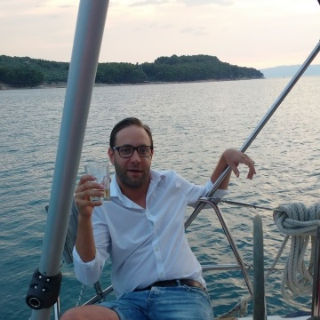 Miklos Kerezsi, 31, Budapest, Hungary