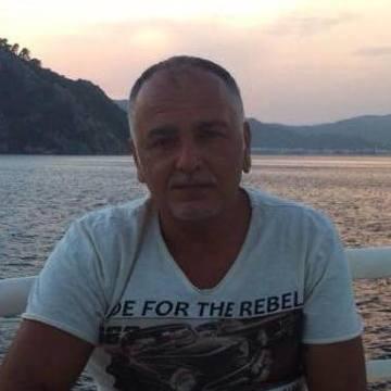 Erden Aslaner, 47, Istanbul, Turkey